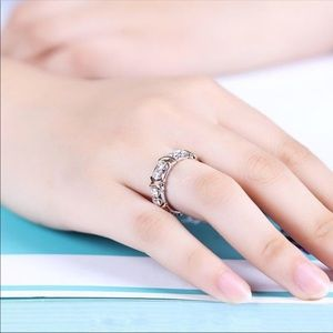 Jewelry - (Size 7) 10k gold engagement ring